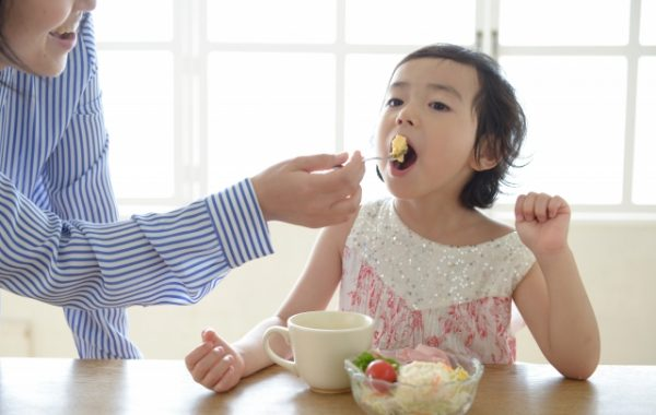ごはんを食べ過ぎる子に気をつけるべきこと