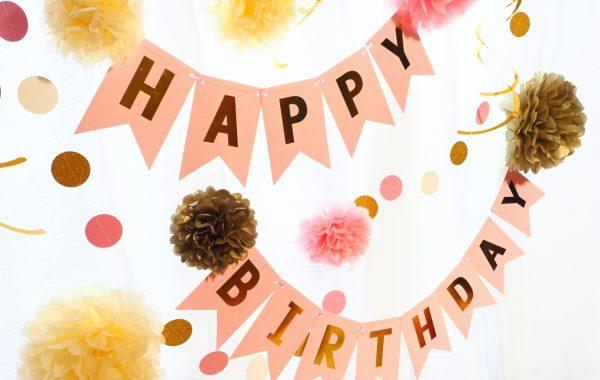 【1歳の誕生日】何する?実際にママがやってよかったこと&人気のプレゼント