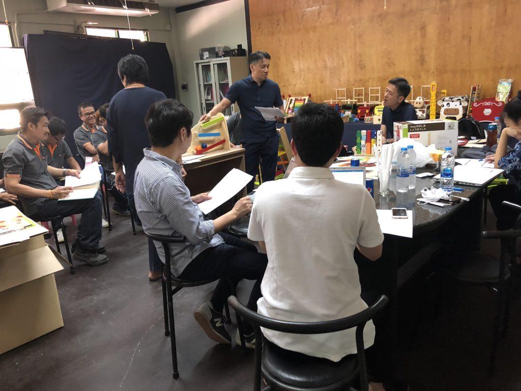 商品開発の会議